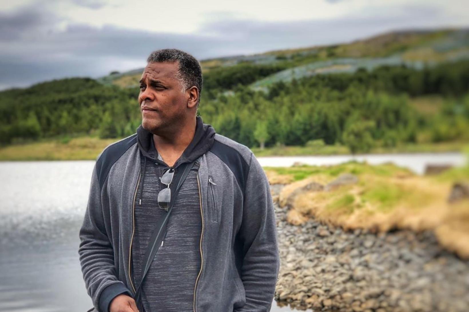 Jeffrey Guarino, matsveinn og fyrrverandi hermaður, hefur búið á Íslandi …