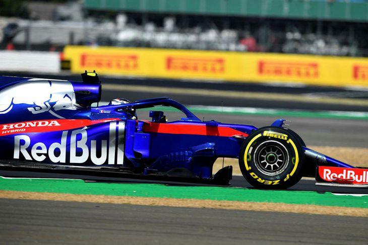 Pierre Gasly á ferð á Toro Rosso bílnum.