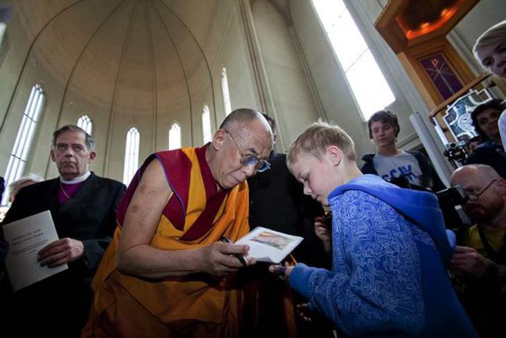 Börnin vildu hitta Dalai Lama.