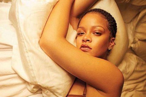Rihanna segir mikilvægt að þrífa húðina vel fyrir nóttina.