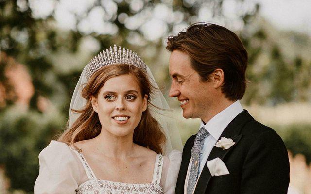 Beatrice prinsessa og Eduardo Mapelli Mozzi á brúðkaupsdaginn.