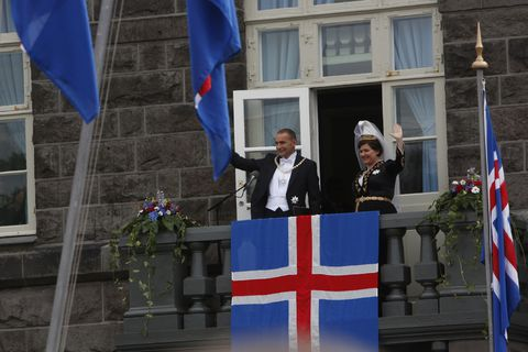 President Guðni Th. Jóhannesson and First Lady Eliza Reid on the Parliament balcony.