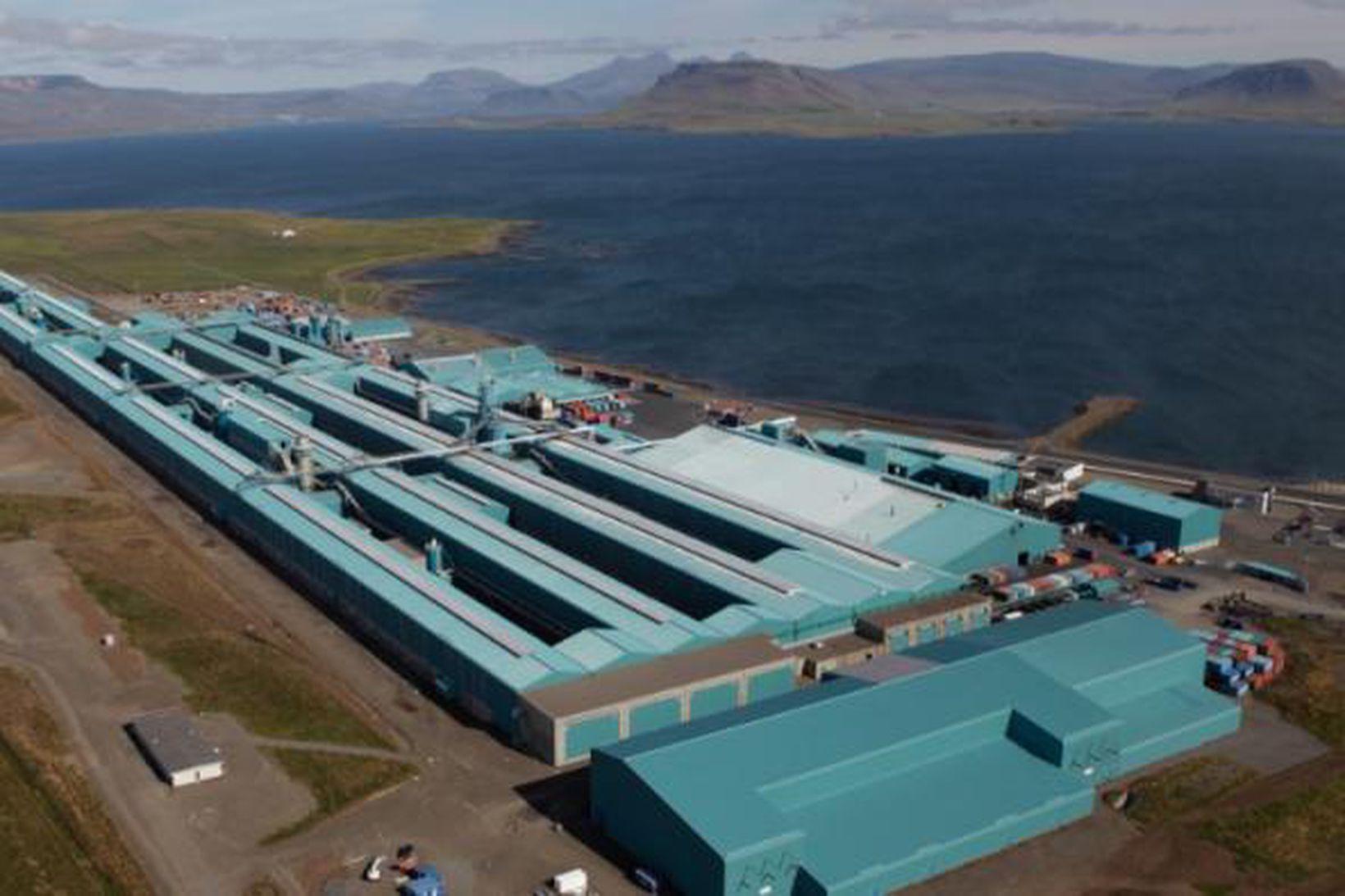 Norðurál á Grundartanga greiddi 1.534 milljónir í tekjuskatt í fyrra.