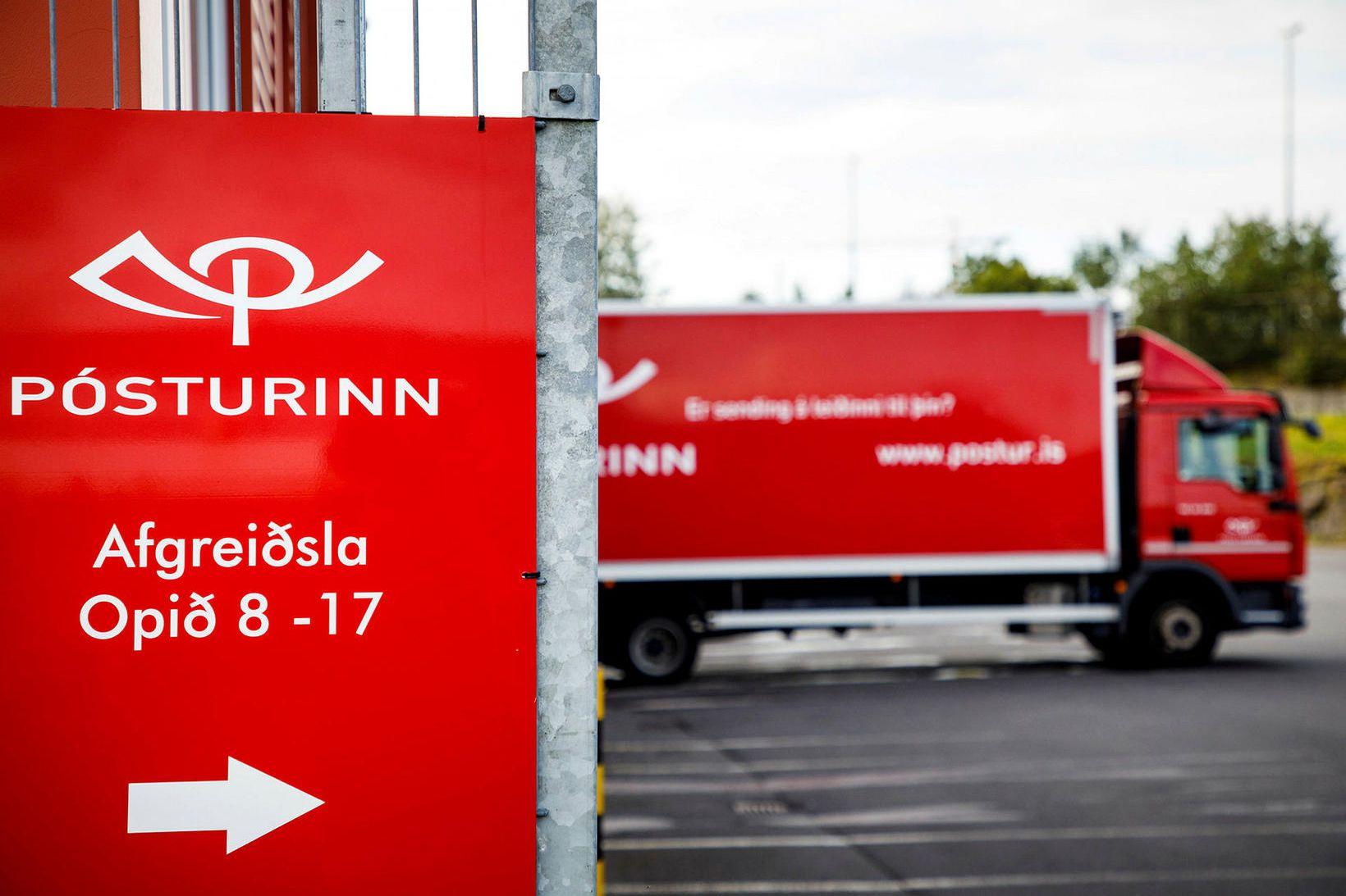 Kona á þrítugsaldri segir að henni hafi verið sagt upp …