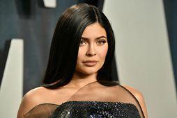 Kylie Jenner gengur með sitt annað barn.