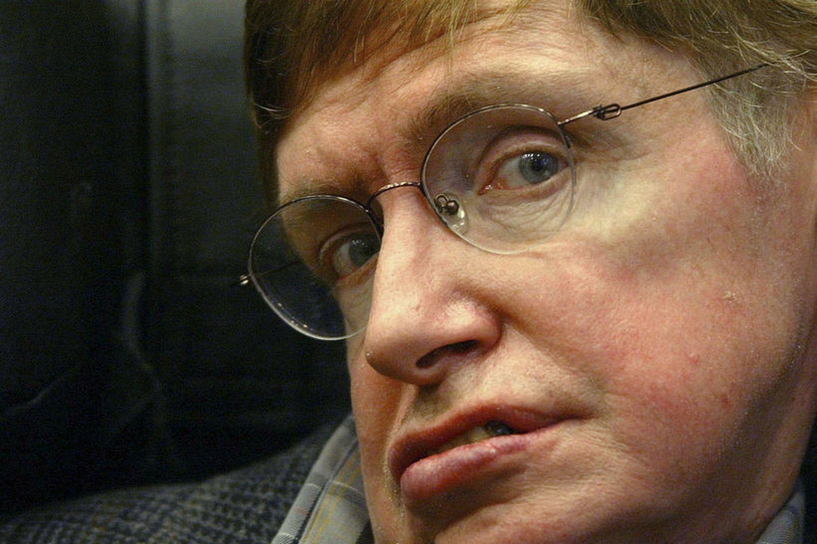 Stephen Hawking er látinn 76 ára að aldri.