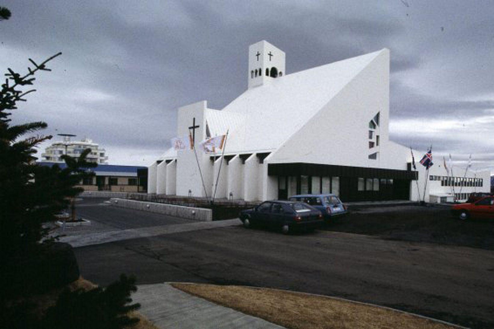 Samveran var í Vídalínskirkju í Garðabæ.