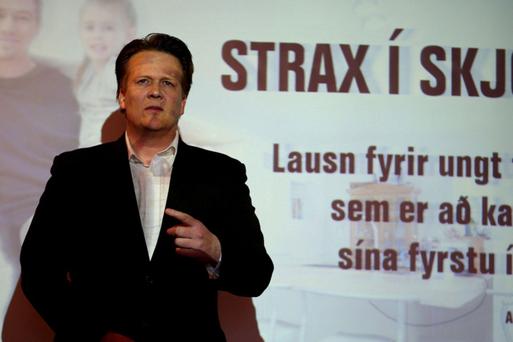 Hallgrímur Óskarsson, verkfræðingur. Lausnin hans nefnist ,,Strax í skjól