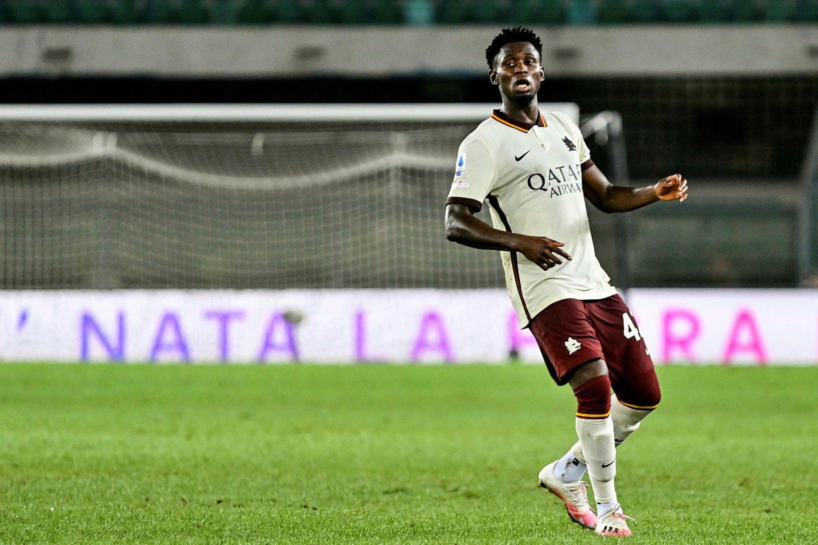 Amadou Diawara í leik Roma og Hellas Verona á laugardaginn. …