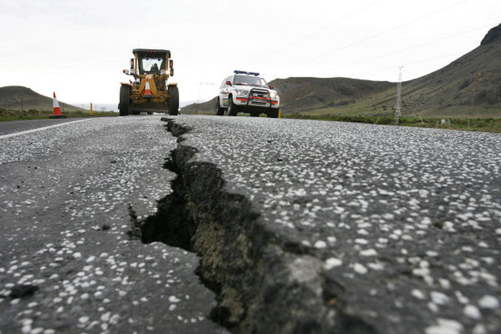Suðurlandsskjálftinn 29. maí 2008 var 6,3 á Richter. Skjálftinn árið …