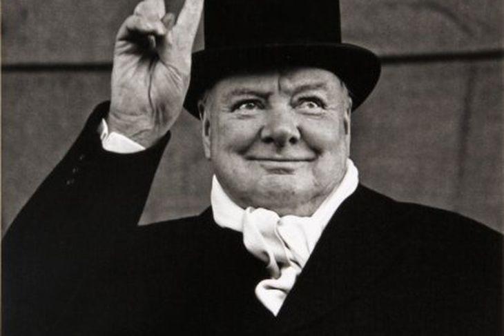 Winston Churchill var tvívegis forsætisráðherra í Bretlandi.