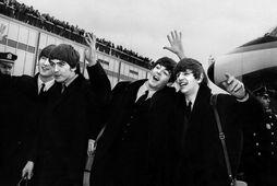 Bítlarnir fjórir á Kennedy-flugvelli í New York í febrúar 1964, John Lennon, George Harrison, Paul …
