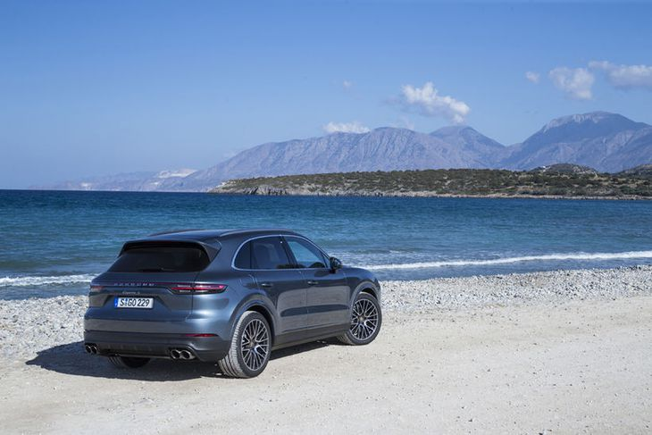 Reynsluakstur Porsche Cayenne fór fram í fjöllóttu landslagi austurenda Krítar.