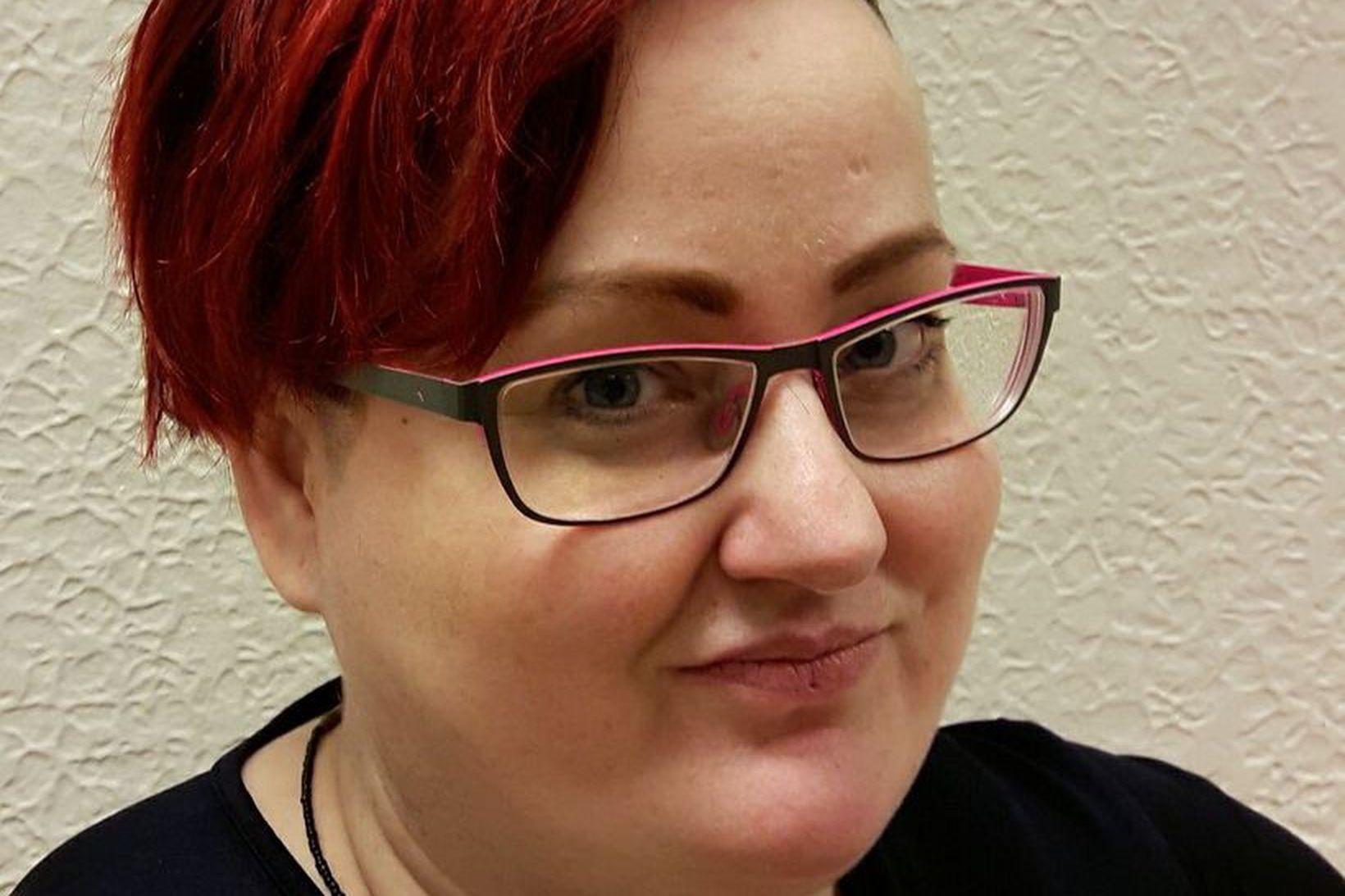 Bára Halldórsdóttir er fötluð, hinsegin kona sem blöskraði samtal þingmannanna …