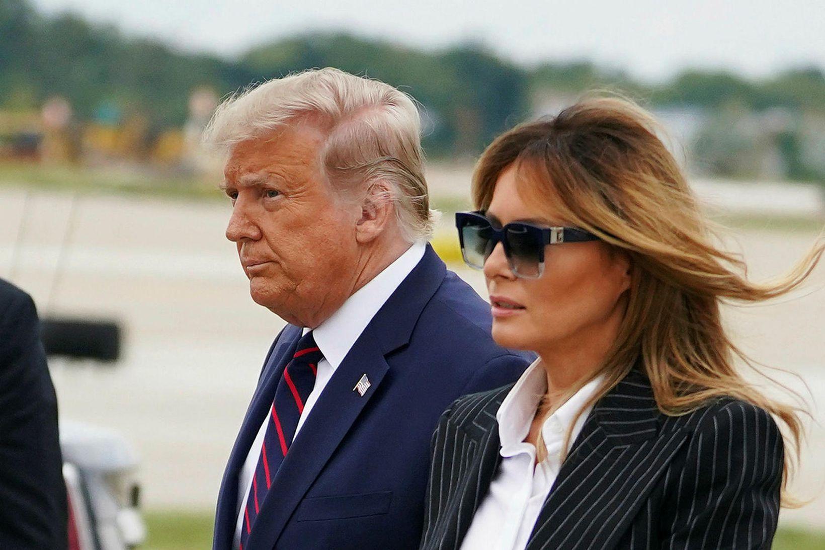 Donald Trump forseti og eiginkona hans Melania.