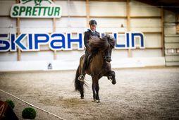 Elin Holst á hesti sínum Frama frá Ketilsstöðum.