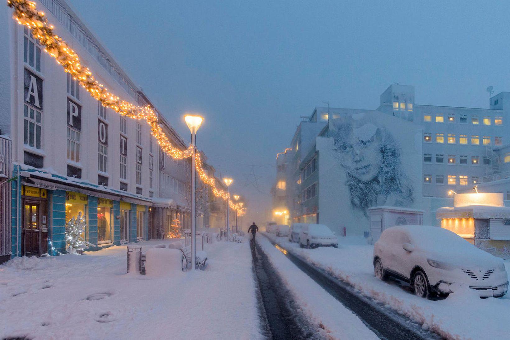 Frá Akureyri í gær.