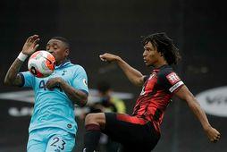 Nathan Aké í leik með Bournemouth.