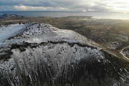 Landris mælist enn með miðju vestan við fjallið Þorbjörn við Grindavík.