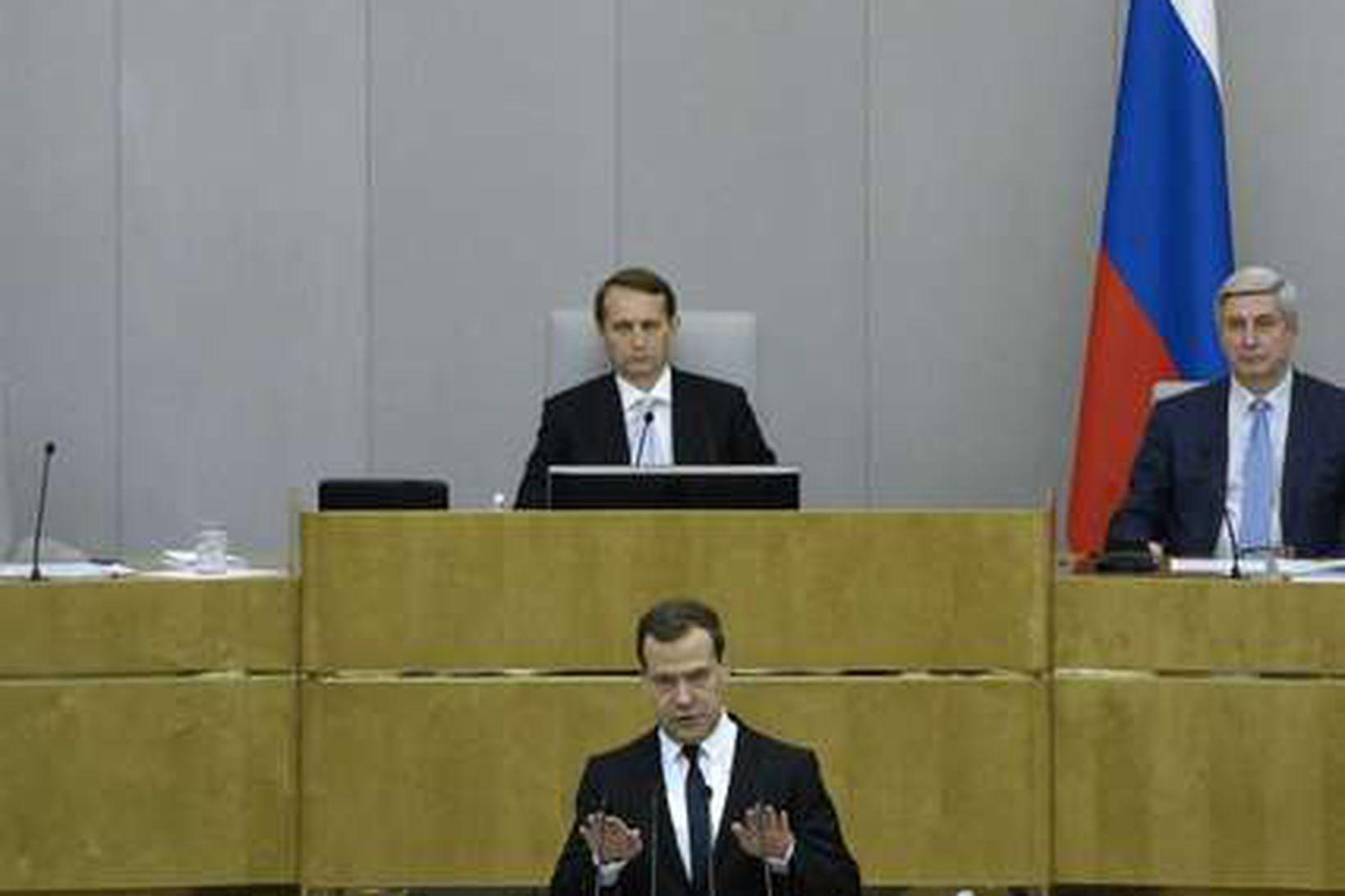Dmitry Medvedev á rússneska þinginu í dag.