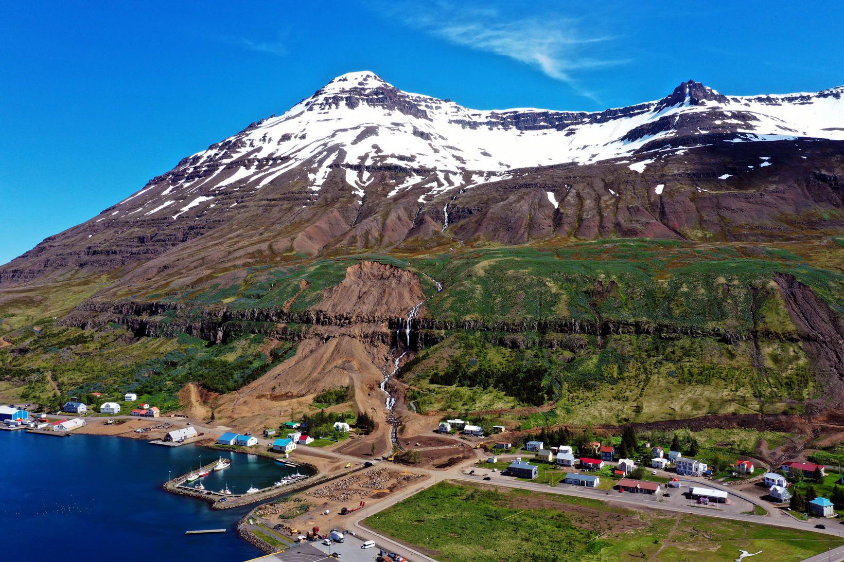 Sárin eru tekin að gróa á Seyðisfirði.