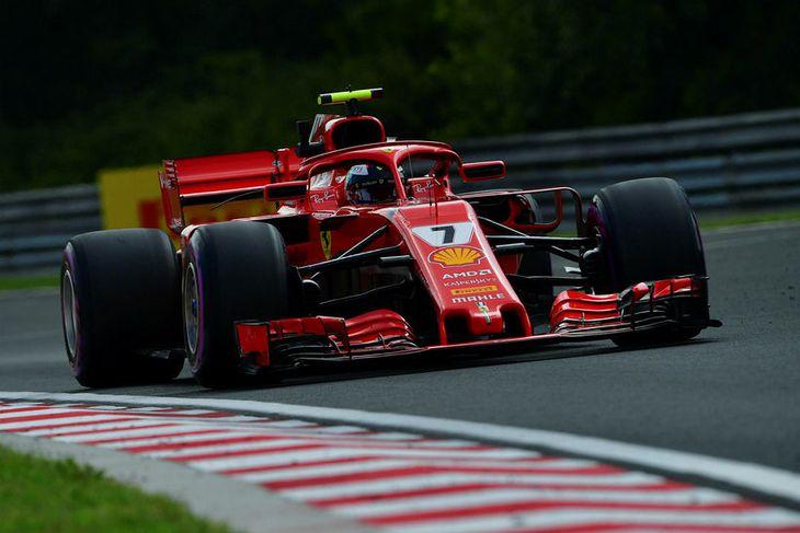 Kimi Räikkönen á seinni æfingunni í Búdapest ídag.