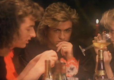 George Michael með vinum sínum í myndbandinu við lagið Last Christmas.