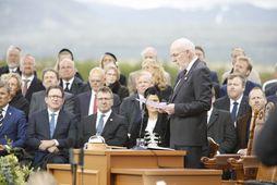 Steingrímur ávarpar Alþingi á hátíðarfundi á Þingvöllum.
