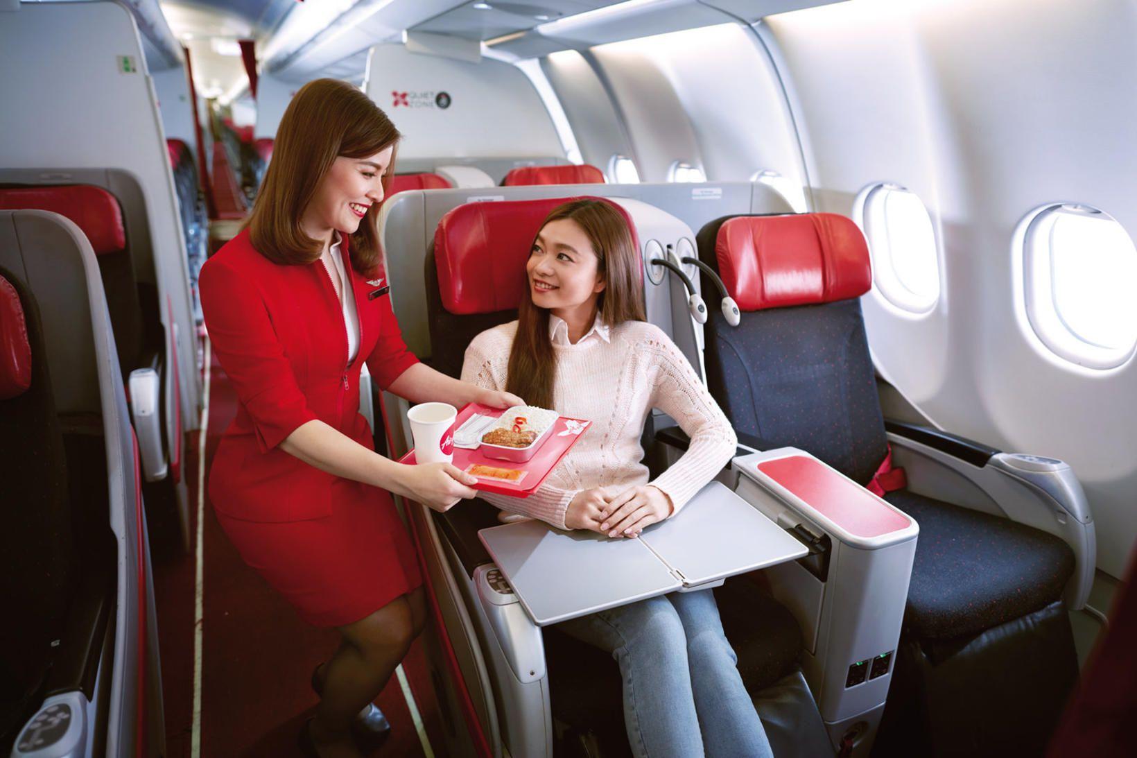 Namm! Flugvélamaturinn hjá Air Asia er svo góður að viðskiptavinir …