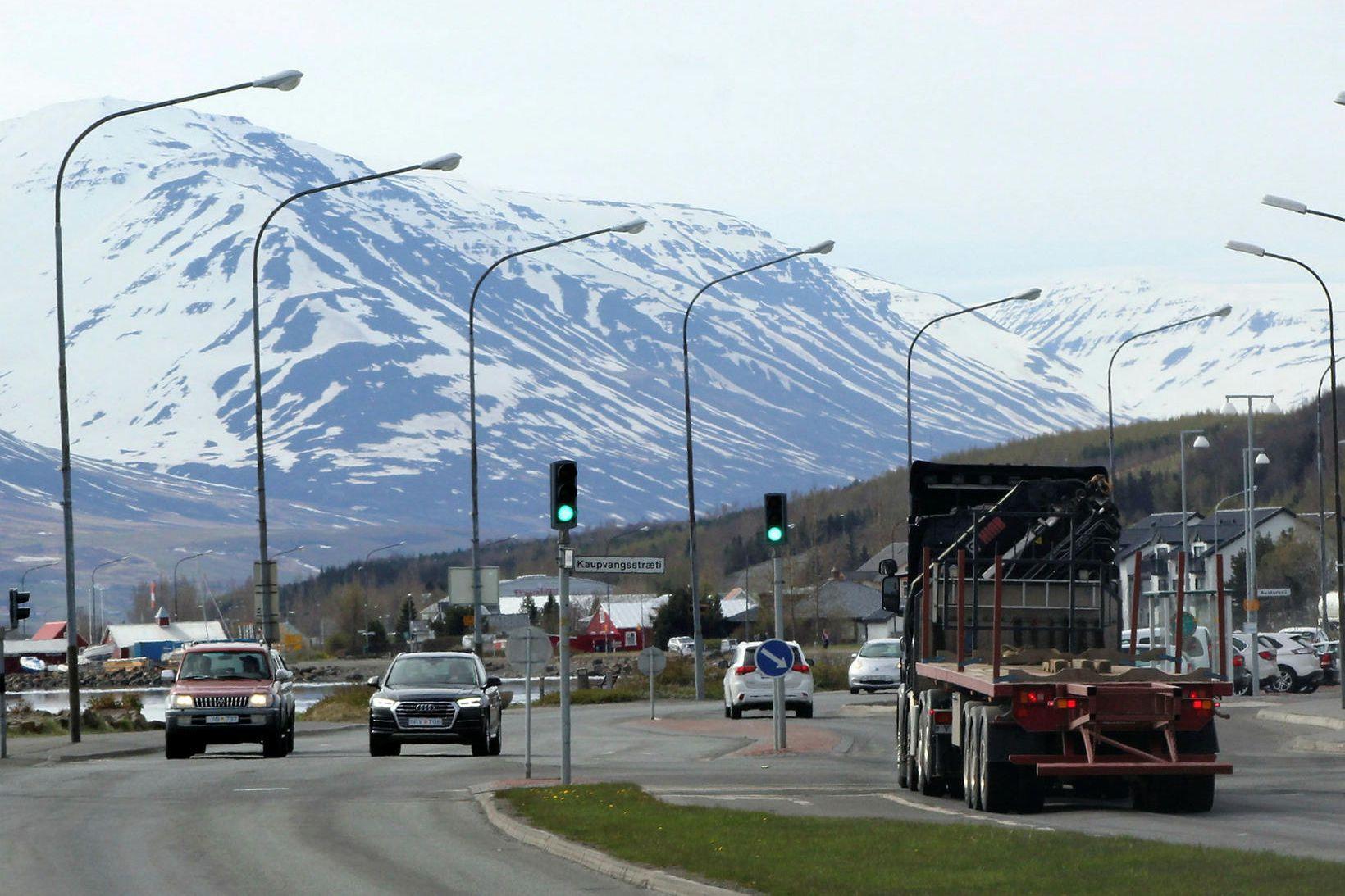 Á Drottningarbraut á Akureyri.