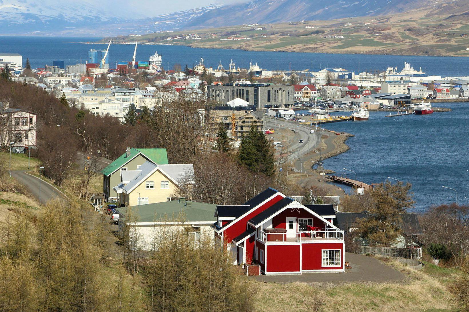 Bæjarfulltrúar hafa lýst áhyggjum af störfum á Akureyri.