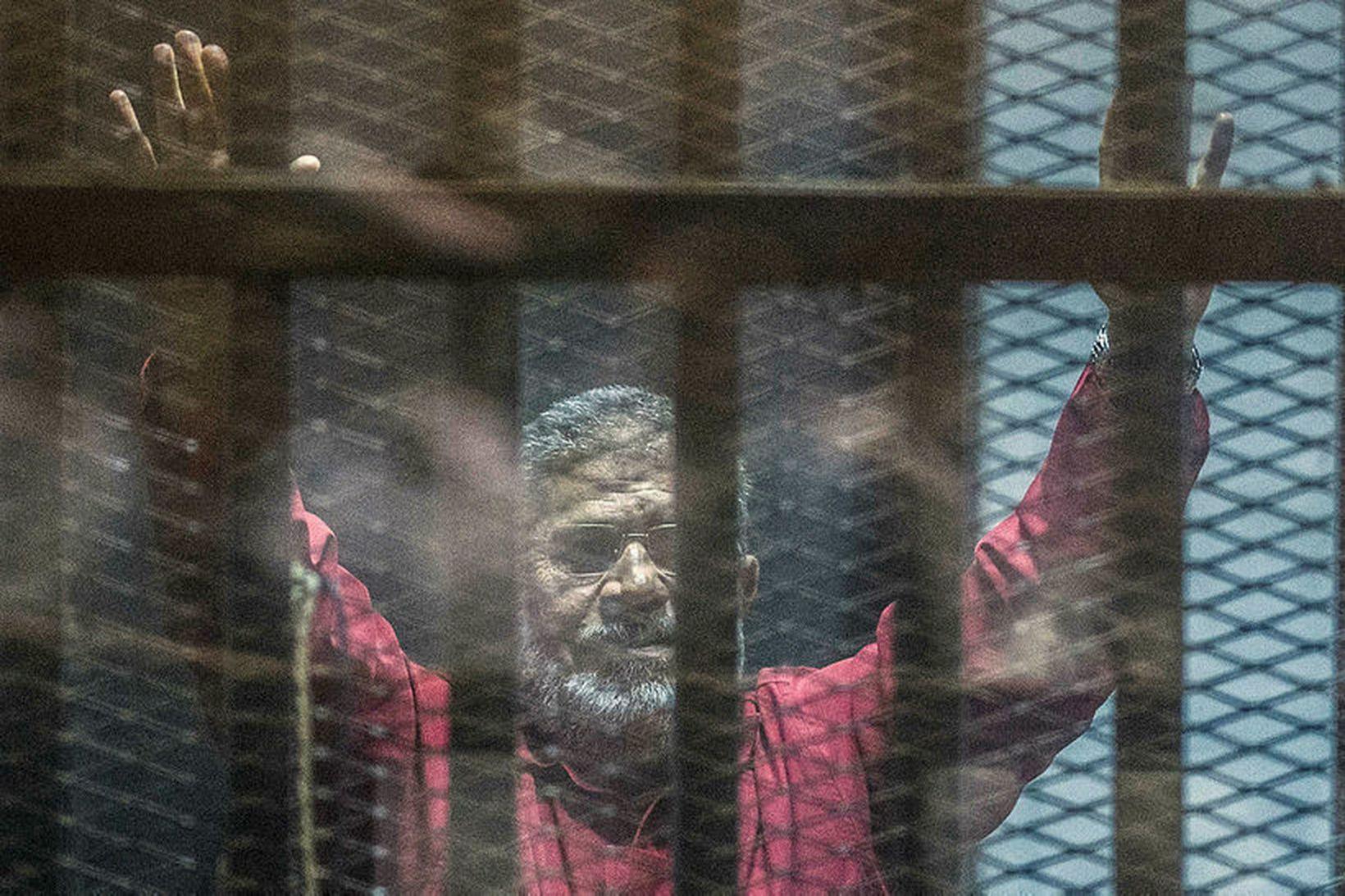 Mohamed Morsi hafði verið í gæsluvarðhaldi í sex ár þegar …