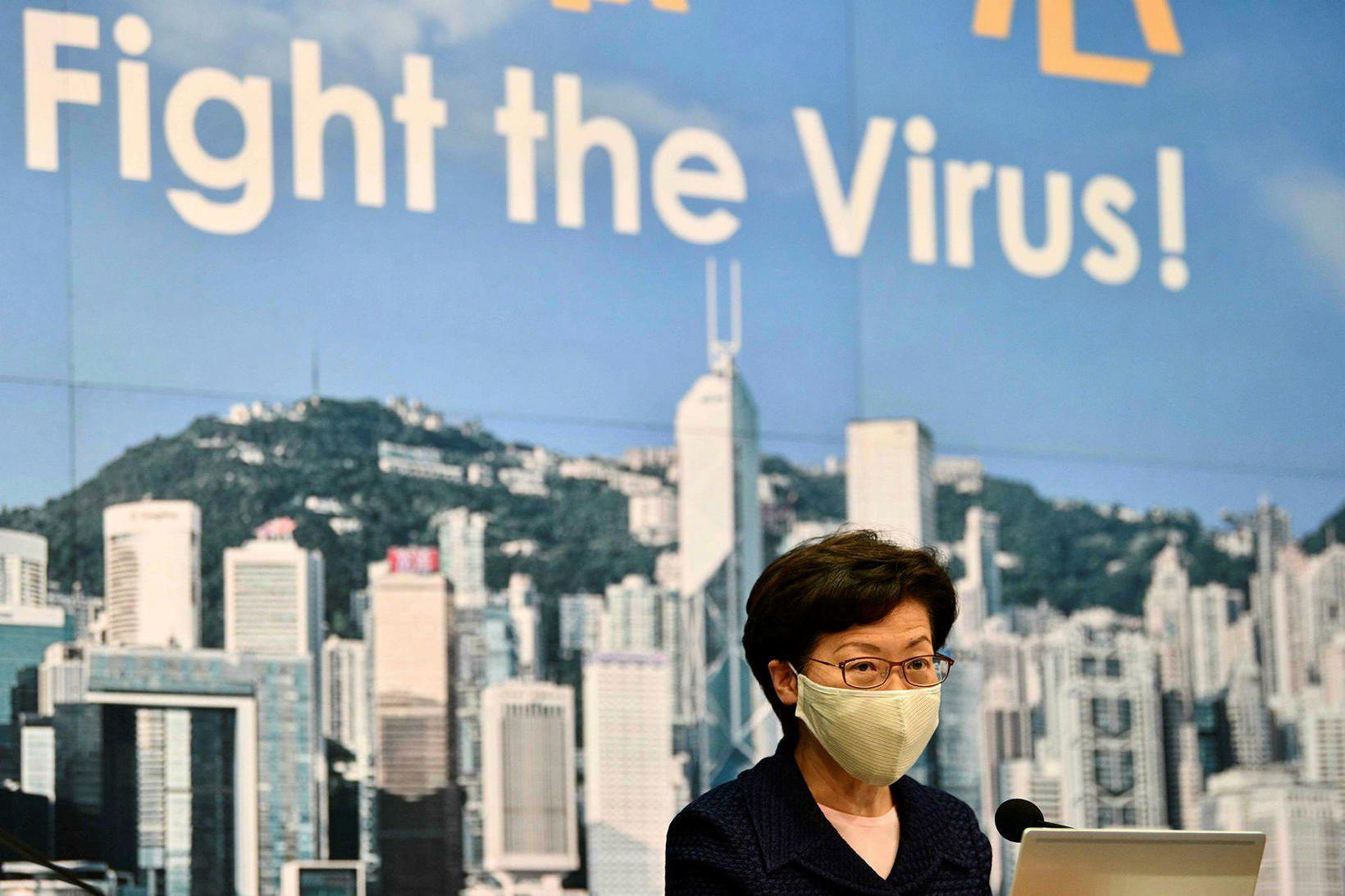 Carrie Lam, leiðtogi héraðsstjórnar Hong Kong, greinir frá áformum um …