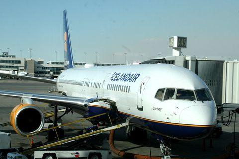 An Icelandair Boeing 757.