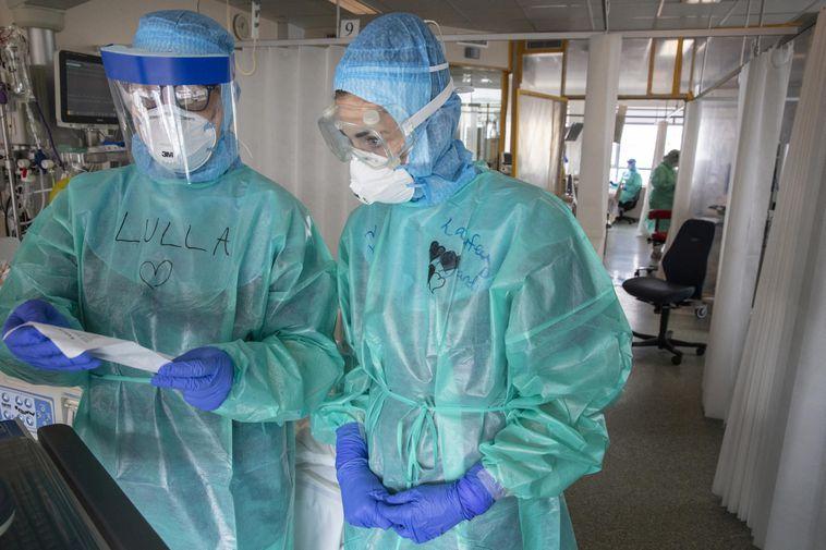 From the intensive care unit of Landspítali National University Hospital.