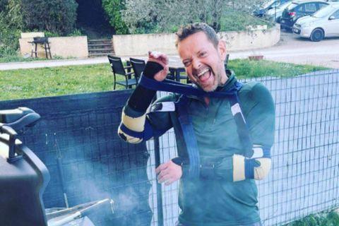 Guðmundur Felix grillar.