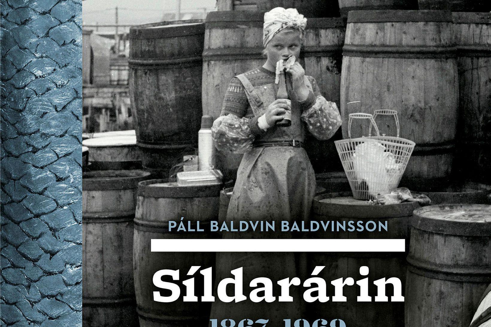Síldarárin 1867-1969. Bókin sem fjallað er um.