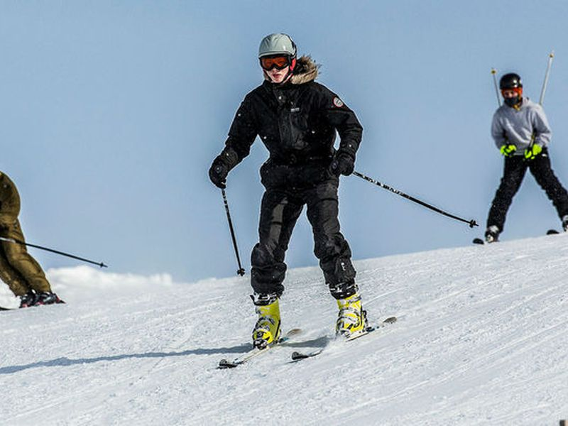 Today skiing conditions are great in the vicinity of Reykjavik.