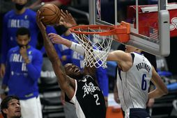 Kawhi Leonard fer vel af stað í úrslitakeppni NBA-deildarinnar með LA Clippers.