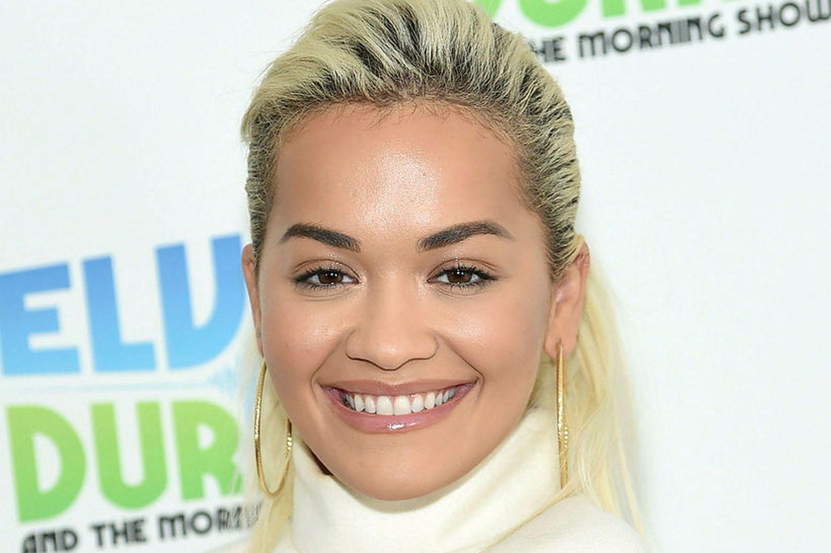 Rita Ora er meðal sextán breskra áhrifavalda sem heita því …