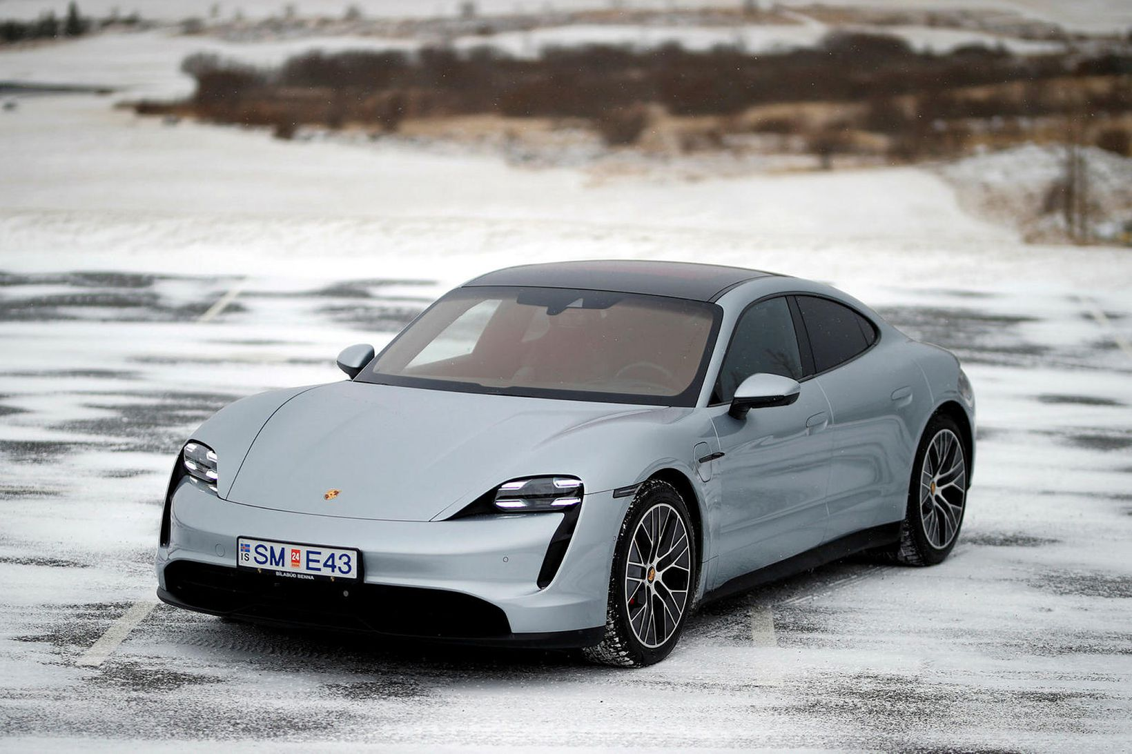 Porsche Taycan 4S er stórkostlegur sportbíll jafnvel þótt hann sé …