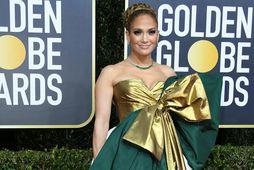 Jennifer Lopez var í kjól sem minnti á jólaskraut.