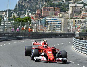 Kimi Räikkönen á ferð í Mónakó í dag.
