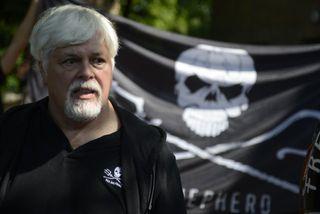 Paul Watson, stofnandi Sea Shepherd, segir erfitt að halda aftur af sér með að sökkva ...