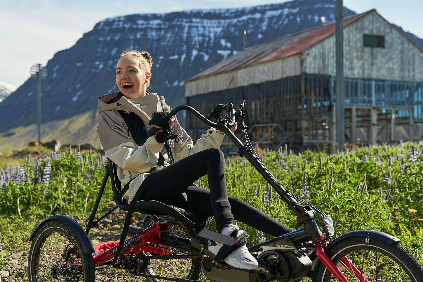 Katrín Björk nýtur þess að hjóla með vindinn í bakið …