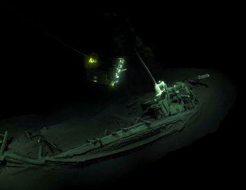 Skipsflakið er yfir 2400 ára gamalt og er í góðu ásigkomulagi þar sem súrefnisskortur á ...