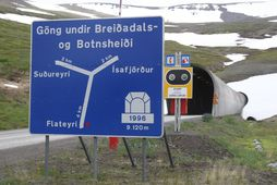 Vestfjarðagöng eru einbreið að hluta.