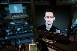 Edward Snowden er búsettur í Rússlandi en dvalarleyfi hans rennur út á næsta ári.