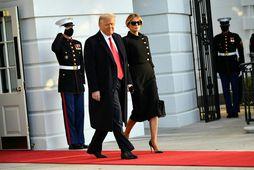 Donald Trump og eiginkona hans Melania yfirgáfu Hvíta húsið fyrir um viku.