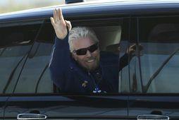 Sir Richard Branson á leið í ferðina.